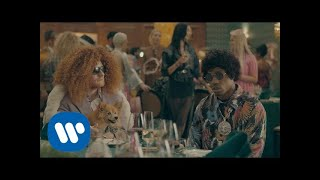 Ed Sheeran と Travis Scott - Antisocial [Official Video]